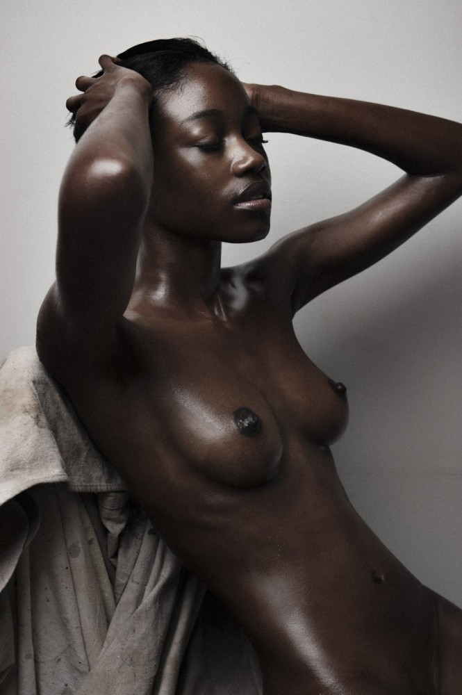 Nude dark-hued sorgusuna uygun..
