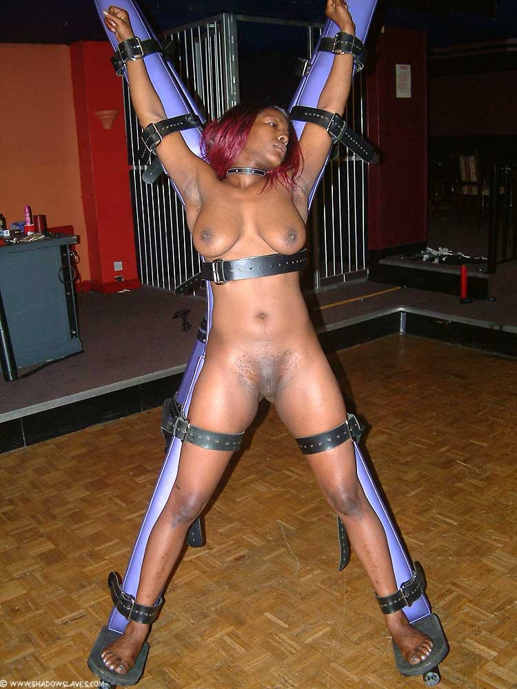 Black slavegirl Cookie in rigorous..
