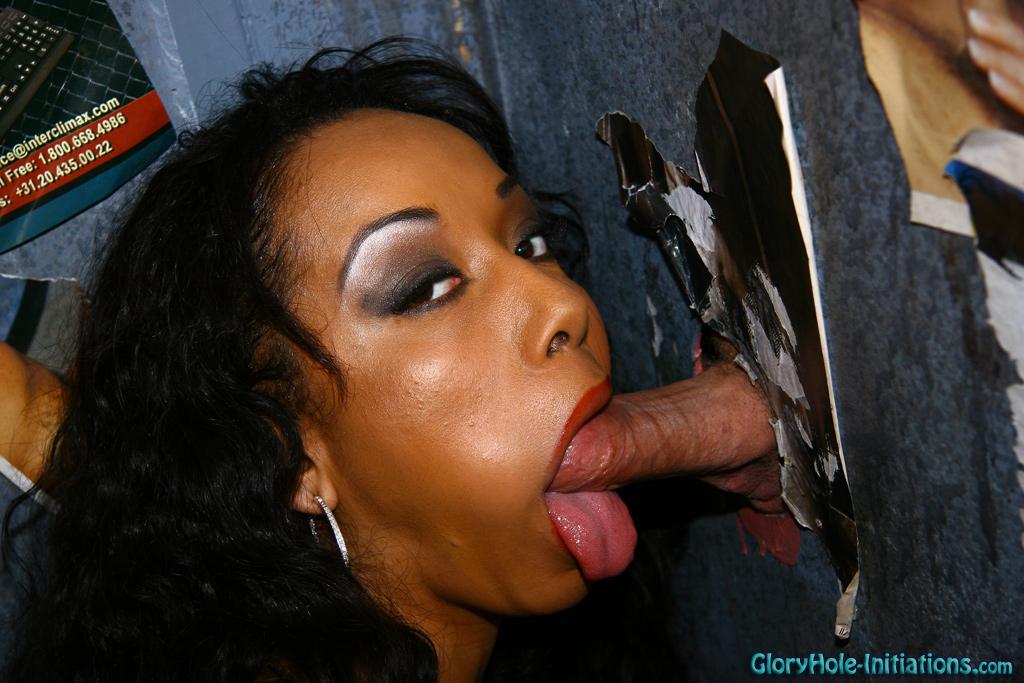 Dark-hued chick bi-racial gloryhole..