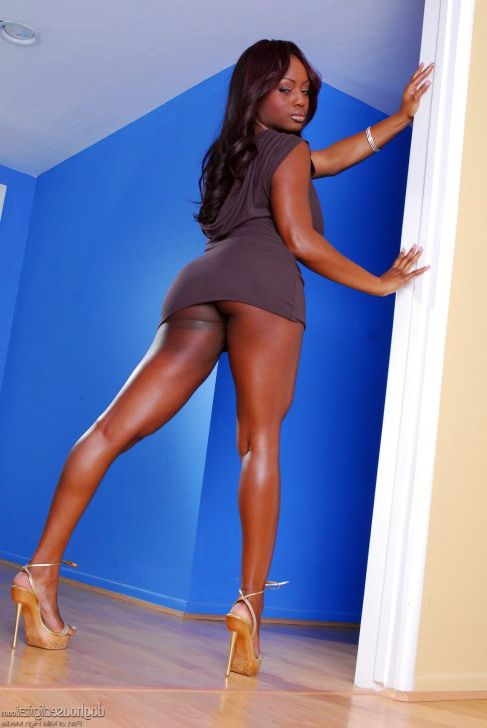 And again, our hotty Jada Fire..