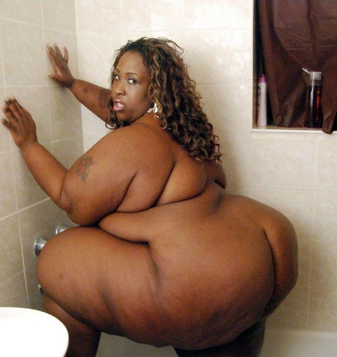 Unbelievable big dark-hued women!..