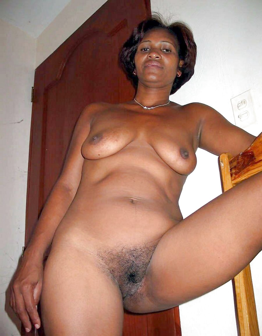 Steamy and torrid ebony home made pics