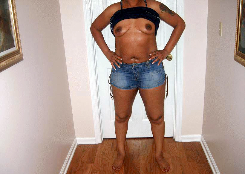 Naked african grandma on the bad