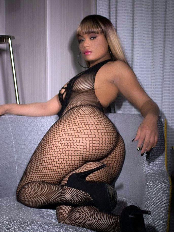 Dark-hued BBWs, large ebony butty,..