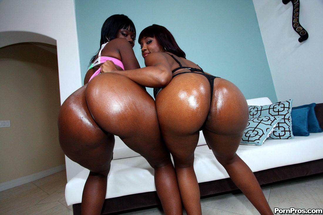 Ebony women Chocolate and Carla get..